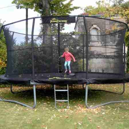 nuovo trampolino elastico ovale