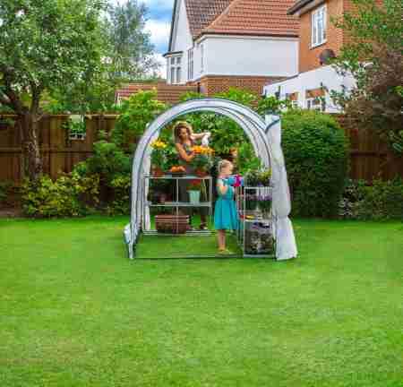 serra giardino aperta